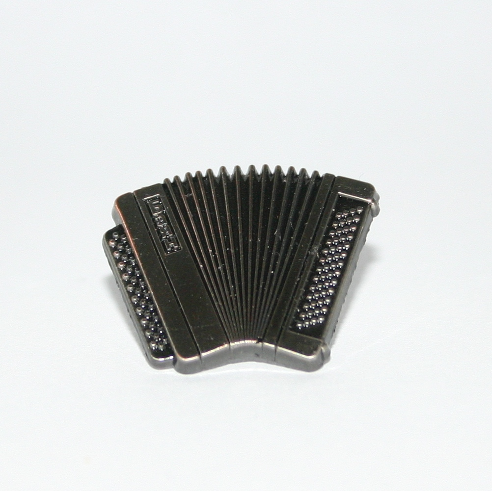 Nickel accordion badge